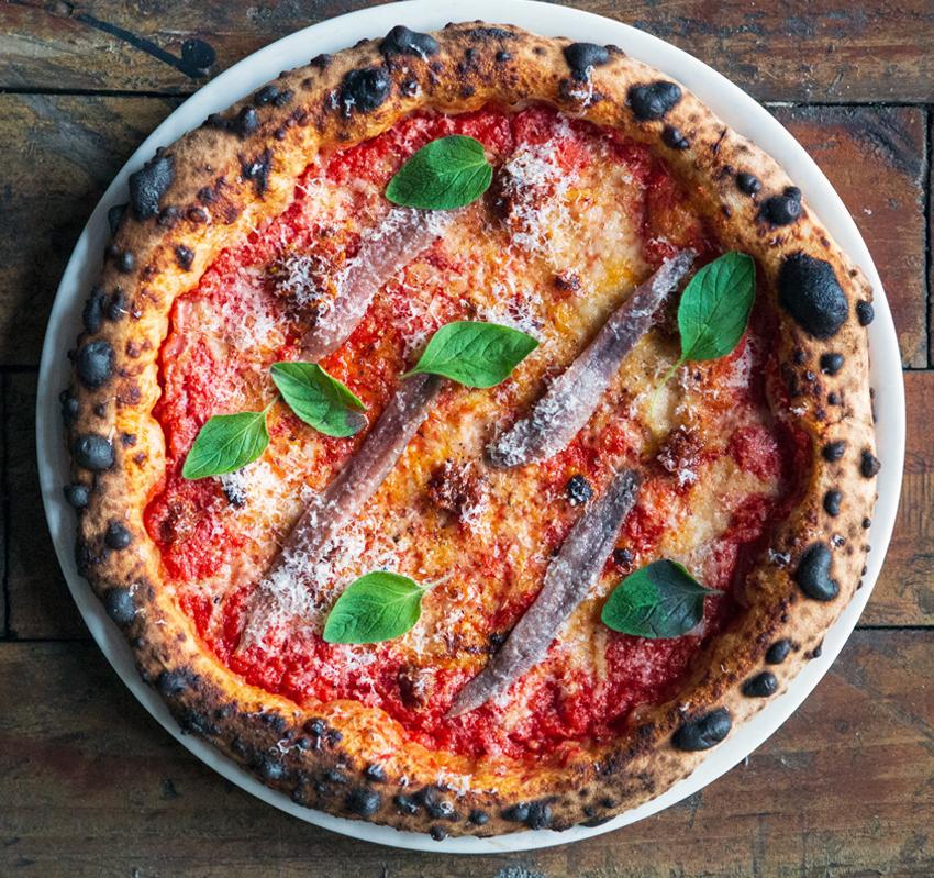Pizza con anchoas Ortiz
